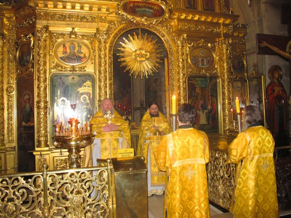 The Birthday of the Head of the House of Romanoff is Marked by a Solemn Service in Moscow's Epiphany Cathedral
